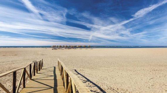 'Vanitatis' destaca la belleza de Ayamonte como un atractivo inigualable dentro de las playas de Huelva