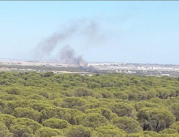 Rápida actuación del Infoca en un incendio urbano declarado en Aljaraque
