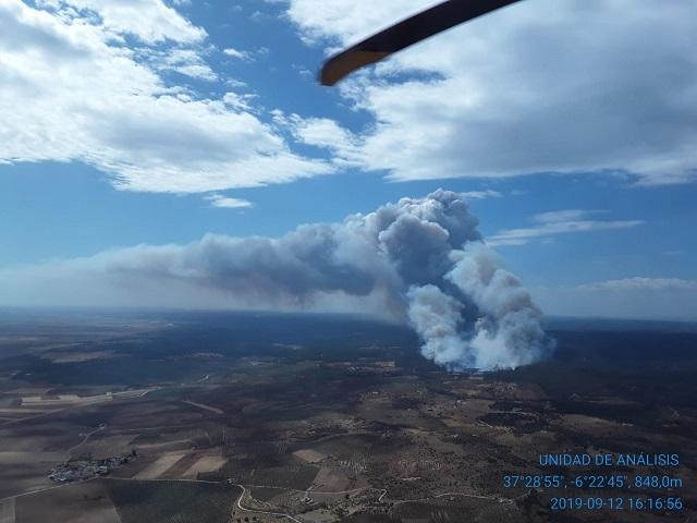Estabilizado el incendio en Paterna del Campo y continúan las labores de control