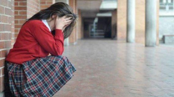 Educación estudia dotar de pulseras de localización a padres y madres de alumnos de Secundaria que ejerzan bullying sobre sus hijos
