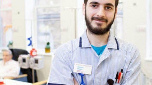 El enfermero onubense, Manuel Magro trabaja en el Hospital Royal Marsden