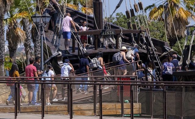 El Muelle de las Carabelas supera por primera vez en agosto los 40.000 visitantes en un verano histórico de ocupación