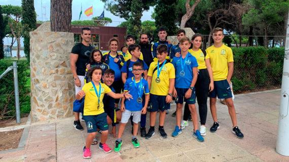 Doble oro del Club Deportivo Náutico de Punta Umbría en la Copa de Andalucía de Barcos Combinados de Piragüismo