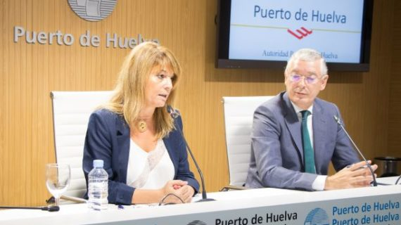 Nuevo récord de tráficos en el Puerto de Huelva que cierra agosto con un aumento del 10,7%
