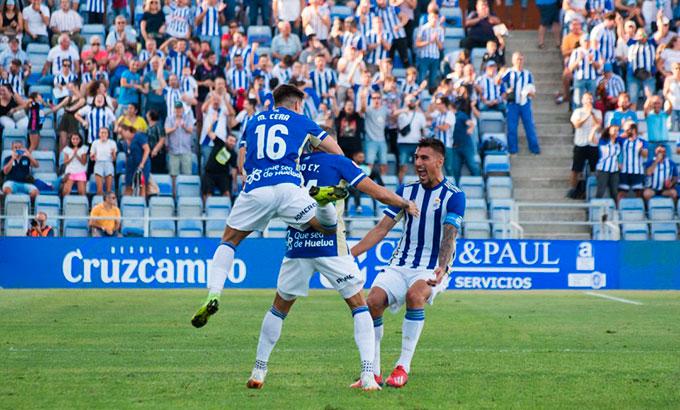 Ganar de nuevo, esta vez en Algeciras, el reto de Recre para este domingo. / Foto: Pablo Sayago / @recreoficial.