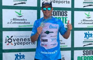 Rubén Gutiérrez sumó un nuevo éxito, éste en el Campeonato de Extremadura de Aguas Abiertas.