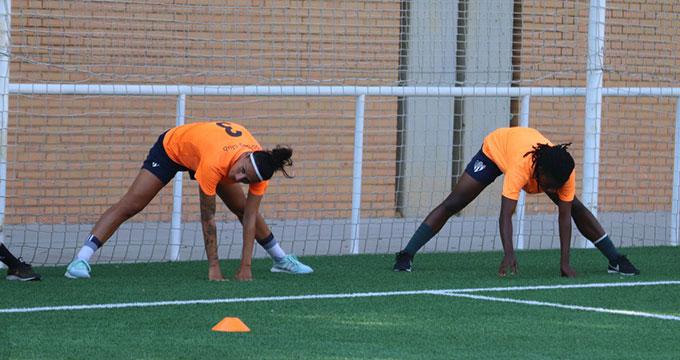 Las jugadoras el Sporting vuelven este lunes a los entrenamientos. / Foto: @sportinghuelva.