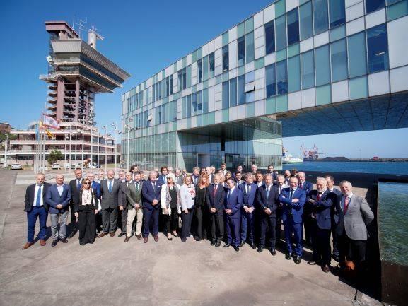 La presidenta de la Autoridad Portuaria de Huelva asiste a la reunión para aprobar los fondos portuarios