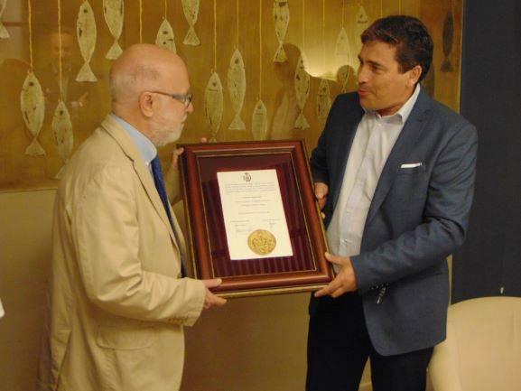 El Colegio de Ingenieros Técnicos de Huelva entrega la Medalla Oro a Manuel Toharia