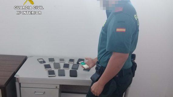 Implicadas 32 personas por hurto de móviles a bañistas en Matalascañas