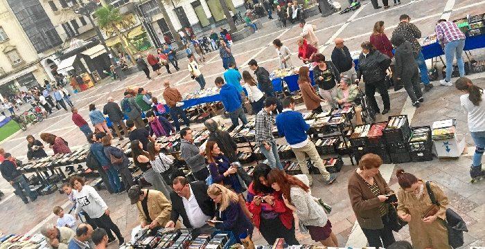 La Plaza de las Monjas se llena de cultura este sábado con el Mercadillo del Libro Solidario