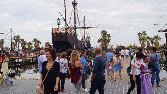 Caraballo afirma que el Muelle de las Carabelas simboliza la identidad iberoamericana de la provincia de Huelva
