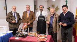 La literatura, el vino y el jamón se unen en la tradicional 'Cata de Libros, Vino y Jabugo' del OCIb