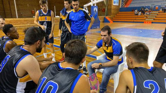 El CDB Enrique Benítez cierra la pretemporada con un triunfo ante el Baloncesto Coria
