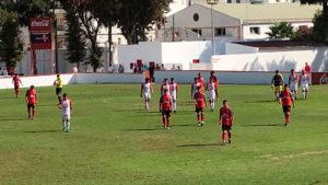 Los jugadores del Cartaya acabaron cabizbajos en Chiclana, donde le anularon un gol legal en el tiempo añadido. / Foto: @Chiclana_CF.