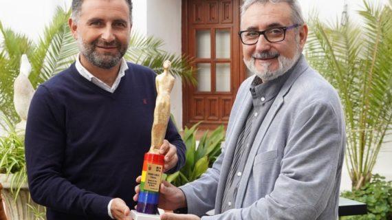 Moguer dona el Premio Camilo para la película ganadora en el Festival de Cine Iberoamericano
