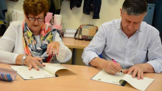 El Ayuntamiento de Palos de la Frontera y AOCAM renuevan un año más su convenio de colaboración
