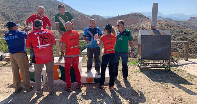 El arquero David Alonso recibiendo el bronce en el Campeonato de Andalucía.