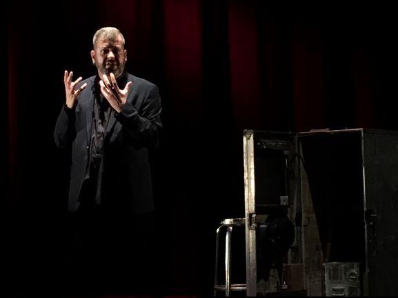 La obra 'El Perro Fiel' y el espectáculo infantil 'Salüq', esta semana en el Gran Teatro