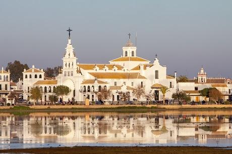 Almonte advierte que continúan los desplazamientos a segundas residencias de El Rocío y Matalascañas todos los días