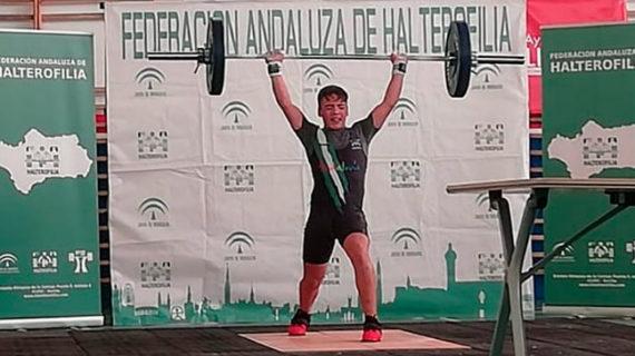 Dani Marín aumenta su palmarés con el subcampeonato andaluz Sub 15 de halterofilia