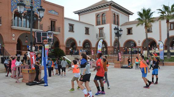 Más de 250 niños disfrutaron en Palos de la Frontera del 'Magic Basket: descubre el dragón que llevas dentro'