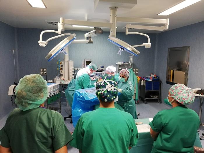 La plantilla del SAS en la provincia de Huelva se ha incrementado en 472 profesionales en el último año
