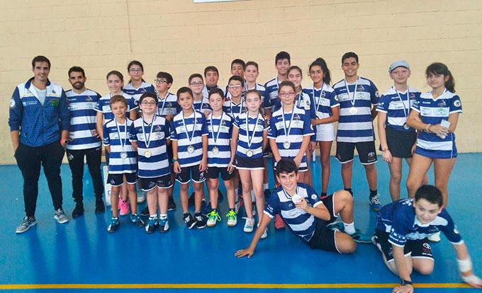Componentes del Recre IES La Orden en la primera jornada del Circuito Provincial de Huelva de bádminton.