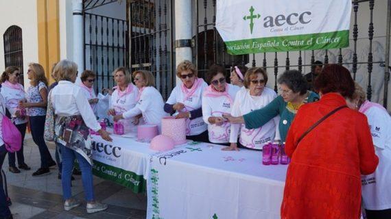 La Marea Rosa contra el cáncer de mama vuelve a inundar las calles de Moguer