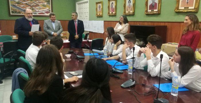 El IES Vázquez Díaz representará a Huelva en un debate nacional de economía