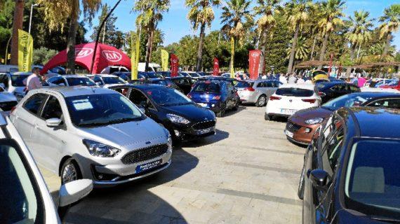 Más de 70 vehículos expuestos en la Plaza Doce de Octubre con motivo de la IFeria del Automóvil