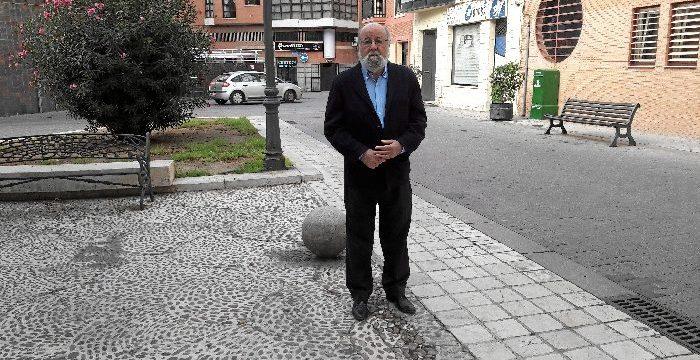 El periodista onubense Emilio Marín cumple su sueño de escribir una novela con 'El Secreto del Limonero'