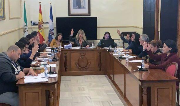 El Pleno de San Juan comienza con un minuto de silencio a favor de las mujeres asesinadas