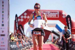 La sueca Johana Nilson ganó la prueba femenina de la VII Doñana Trail Marathon. / Foto: José María Rodríguez Caro.