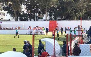 Los jugadores del Aroche protestaron el segundo gol del Chiclana. / Foto: @Chiclana_CF.