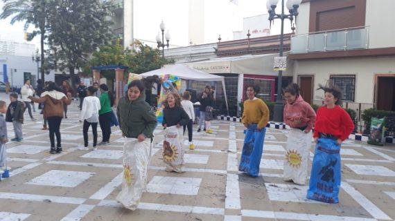 Inaugurada la placa 'Isla Cristina, ciudad amiga de la infancia' ortorgada por UNICEF al municipio costero