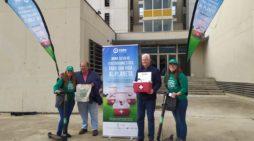 La campaña 'Dona Vida al Planeta' conciencia en la UHU sobre el reciclaje de aparatos eléctricos y electrónicos