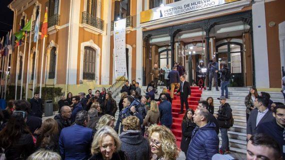 El Festival de Huelva de Cine Iberoamericano comenzó ayer con la cinta argentina 'La Odisea de los Giles', protagonizada por Ricardo Darín