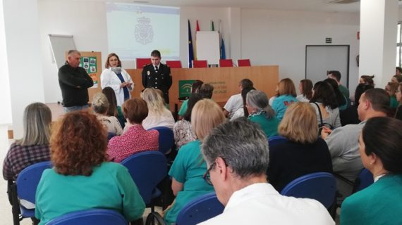 El Infanta Elena forma a más de 500 profesionales en prevención de agresiones e inteligencia emocional