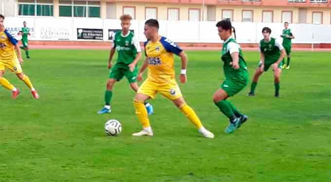 Un penalti dudoso hace que el Isla Cristina no pase del empate en casa con el Guadalcacín (1-1)