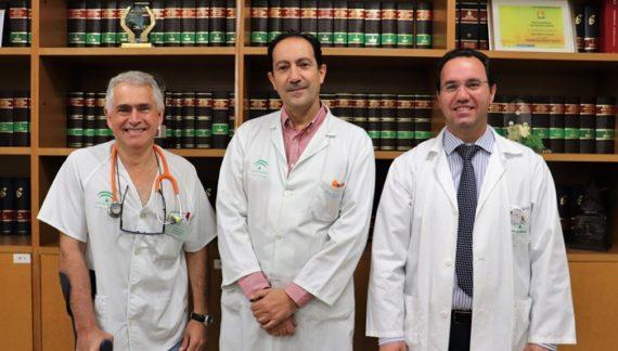 Juan Bayo, coordinador de oncología del Juan Ramón Jiménez, ingresa en la Academia de Ciencias, Artes y Letras
