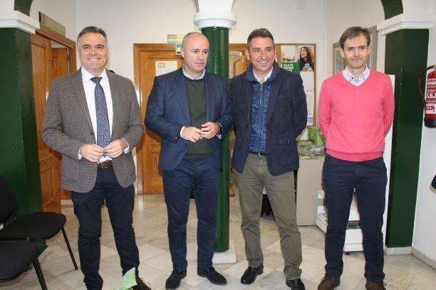 El Secretario General de la Agencia de Gestión Agraria y Pesquera de Andalucía visita la OCA de La Palma