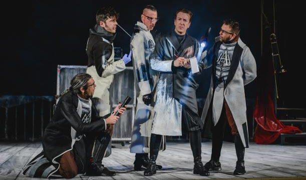 Ron Lalá vuelve al Ciclo de Teatro de Otoño de Cartaya con su aclamado montaje 'Crimen y Telón'