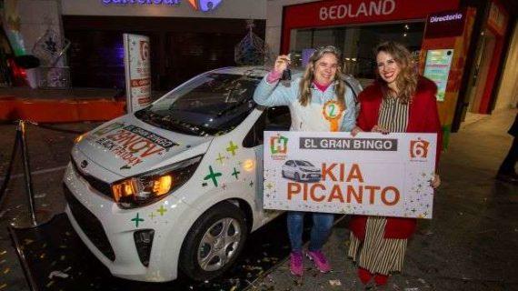 María Antonia Blanco, ganadora del coche del sexto aniversario de Holea