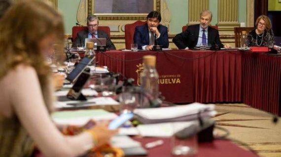 El Pleno refrenda el compromiso del Ayuntamiento en la lucha contra la violencia de género con el voto en contra de Vox