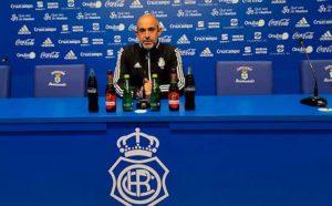 Alberto Monteagudo, entrenador del Recre, durante la rueda de prensa. / Foto: @recreoficial.