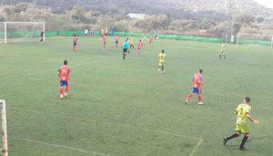 Empate del Aroche en su feudo ante el Atlético Espeleño. / Foto: @AtcoEspeleno.