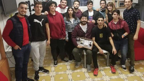 Reconocimiento de la Concejalía de Juventud a la labor de Luis Suan y a los jóvenes del taller Aljacrea