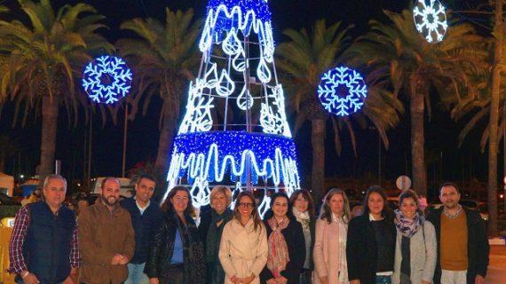 Numerosos ayamontinos participaron en el encendido del alumbrado navideño
