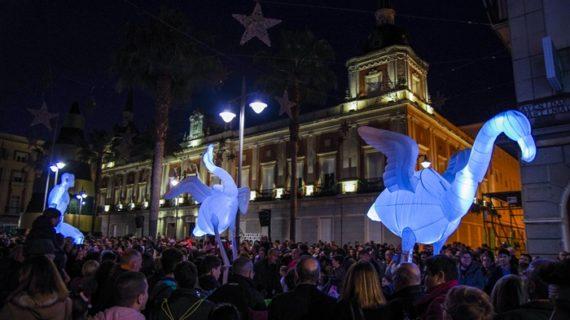 El Ayuntamiento acoge desde este jueves un belén inspirado en la Huelva tradicional